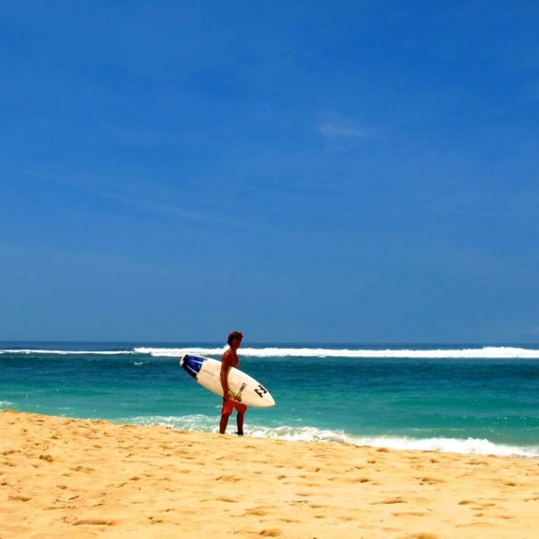 surfing kuta beach